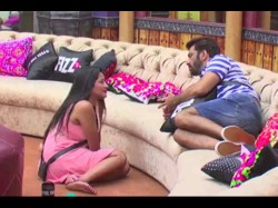 Bigg Boss 10 Manu Asks Mona Get Herself Eliminated From The