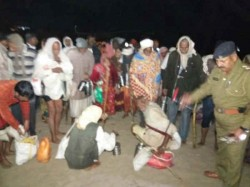 People Rescued From Boat Baited Island Bharuch