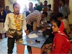 Bridegroom Is Voting Derdi Village Gondal Gujarat