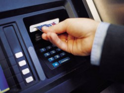Man 70000 Gets Rs From Atm Machine While Asked For Only Rs