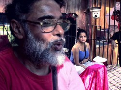 Bigg Boss 10 Swami Om Gets Slapped On Live Tv Show Watch Video