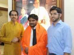 Hardik Patel Meet Uddhav Thackeray Mumbai