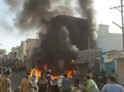 Anjar Two Girls Are Missing Angry Mob Burn Shop At Market