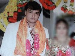Ahmedabad Husband Threatens Wife With Knife