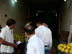 Porbandar Food Department Raids At Fruit Market