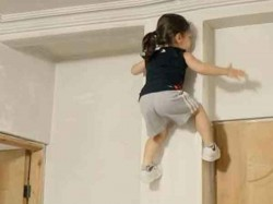He Climbs Walls Lifts Weights And Is Only 3 This Superkid Viral Video
