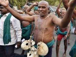 Tamilnadu Farmers Protest Now They Will Drink Their Piss