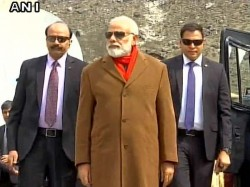 Pm Narendra Modi Stops Man Removing His Shoes At Kedarnath