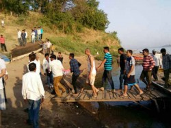 Bharuch The Crocodile Attack On Woman Woman Dies Read Mor