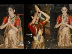 Kangana Ranaut Took Dip To Ganga After Manikarnika Poster La