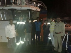Kutch Pakistan Again Kidnapped 30 Fishermen With 5 Boats