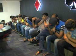 Ahmedabad Police Arrest 20 People Playing Poker Gambling In The Club