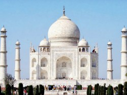 Travellers Choice Taj Mahal Only Indian Monument Figure Top 10 Global Landmarks