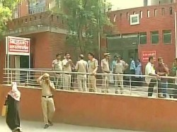 Delhi Students Admitted Nearby Hospital After Gas Leakage