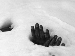 Sdrf Team Mountaineer Trapped Snow Hole Chamoli Uttarakhand