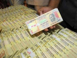 Now Banks Post Offices Can Deposit Old Notes With Rbi