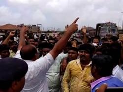 Villagers Bhatia Devbhumi Dwaraka Protest Against Water Sca