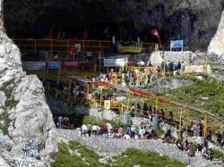 Amarnath Yatra Terror Attack Over 3000 Pilgrims Continue Journey