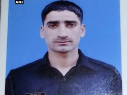Jawan Zahoor Thakur Missing With Ak 47 From His Camp Kashmir