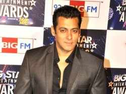 Amazon Sign An World Biggest Star Deals With Bollywood Actor Salman Khan