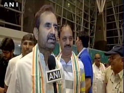 Gujarat Congress Mlas Reached Ahmedabad Now Will Stay At Anand