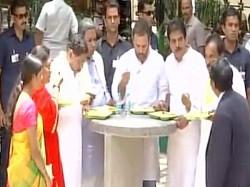 Rahul Gandhi Inaugurated Indira Canteen At Benganluru Karnat