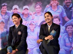 Indian Skipper Mithali Raj Along With Six Other Players Participate In Kbc