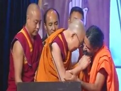 Dalai Lama Baba Ramdev Share Light Moment At World Peace Conclave In Mumbai Video