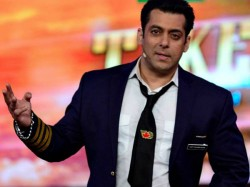 There Is Buzz That Mouni Roy Host Bigg Boss 11 With Salman K