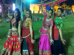 Navratri 2017 See The First Day Photos Ahmedabad S Navratri