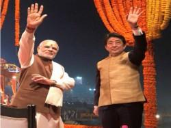 Pm Modi Pm Shinzo Abe Do Joint Road Show Ahmedabad