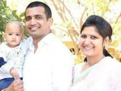 Couple Madhya Pradesh Left 100 Crore Property Become Jain Saint