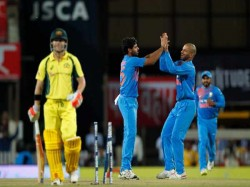 Indian Bowlers Equals Record Bowled T20 Against Australia