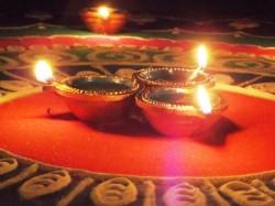 Diwali 2017 Donate Diyas On Narak Chaturdashi Avoid Premature Death