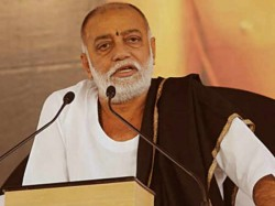 Petition Filed Gujarat Hc Against Morari Bapu On Junagadh Lion Case