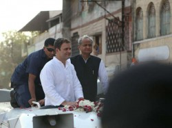 Rahul Gandhi Road Show Bharuch Girl Gets Into Vehicle Take S