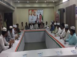 Kapil Sibal Arived Ahmedabad At Wednesday Late Night
