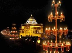 Pm Modi Visit Gandhinagar Akshardham Temple On Thursday Even