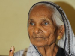 Gujarat Election Special Story This 100 Years Old Voters W