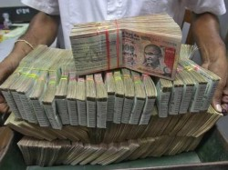 One Year Of Demonetisation Income Tax Department To Scan 80 000 Accounts