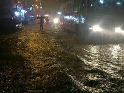 Chennai Heavy Rains Disrupt Normal Life Schools Shut
