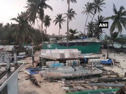 Cyclone Ockhi Recurve Towards Gujarat Coast Top Developments