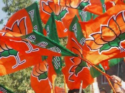 Gujarat Election 2017 Bjp Mp Says Party Is Going Loose This