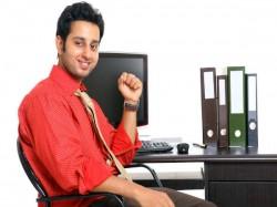 Vastu Tips For Getting A Good Job In Guarati