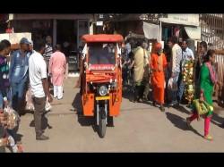 Dwarka Special E Rickshaw Started Free Help Elderly At Tem