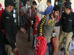 Pakistan Released 533 Fishermen Gujarati Fishermen Will Rea