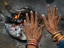 Gujarat Weather Naliya Temperature Goes Down 4 Degree