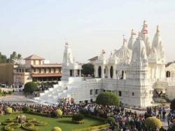 Swaminarayan Gondal Festival 13000 People Leave Their Addiction In Baps Program