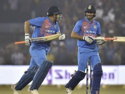 Mahendra Singh Dhoni Seen Abusing Manish Pandey Video Viral