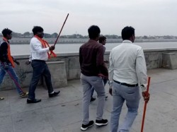Vhp Members Ahmedabad Threatening Couples At Riverfront